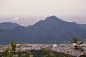 岐阜城を望む