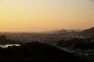 木曽川右岸の夕暮れ