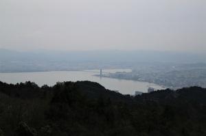 琵琶湖大橋を望む